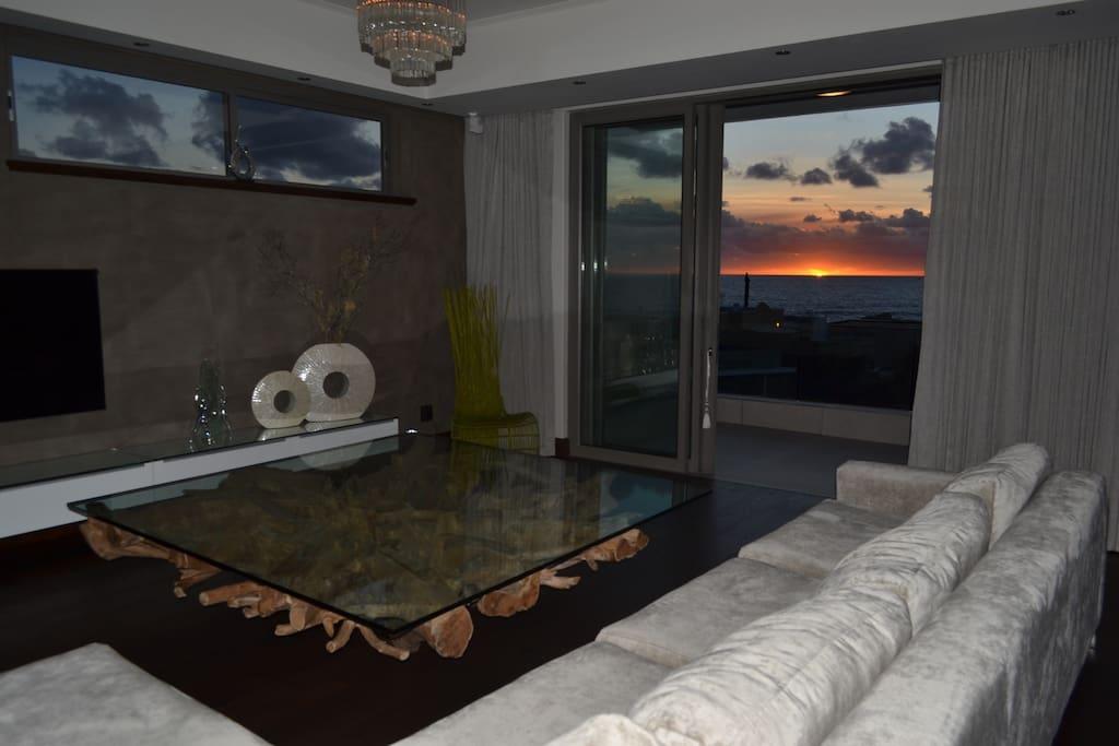 Квартиры оаэ oceana residence цены на недвижимость в испании на побережье
